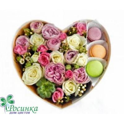 Цветы в коробках с Макаронс №626