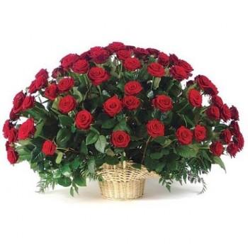 Корзина из 101 роз